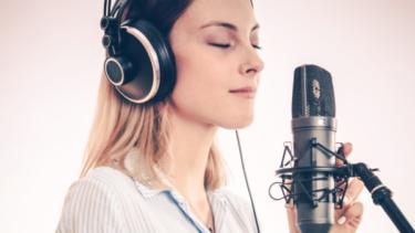 「声」で稼げる人気のライブ配信アプリおすすめ10選【顔出し無し】